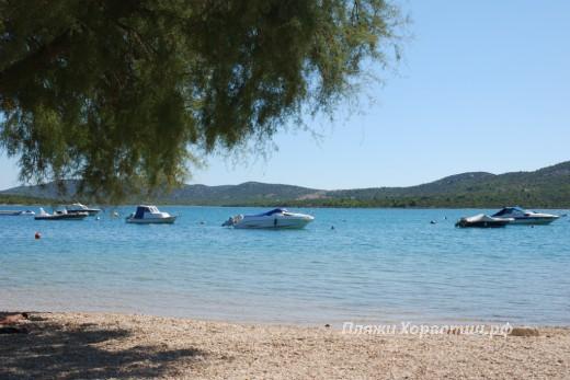 Pirovac Vrilo Beach Boat