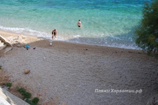 Pisak small beach