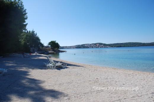 Okrug Gornji Rozac beach other side