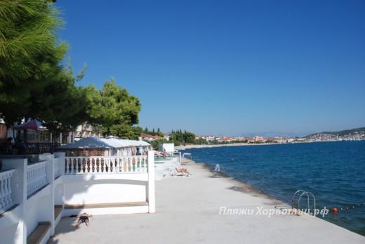 Seget Donji Jadran beach
